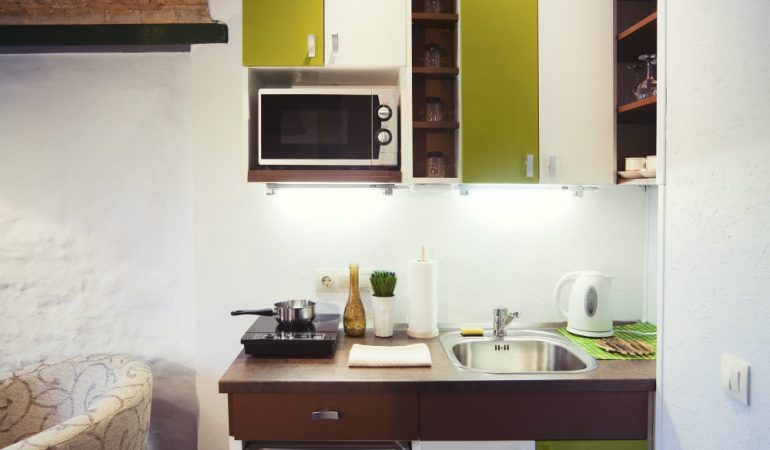 10 Things That Surprisingly Fit Into Small Kitchens