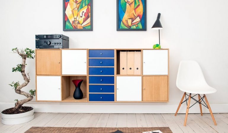 10 Essential Furniture Pieces for Small Apartments