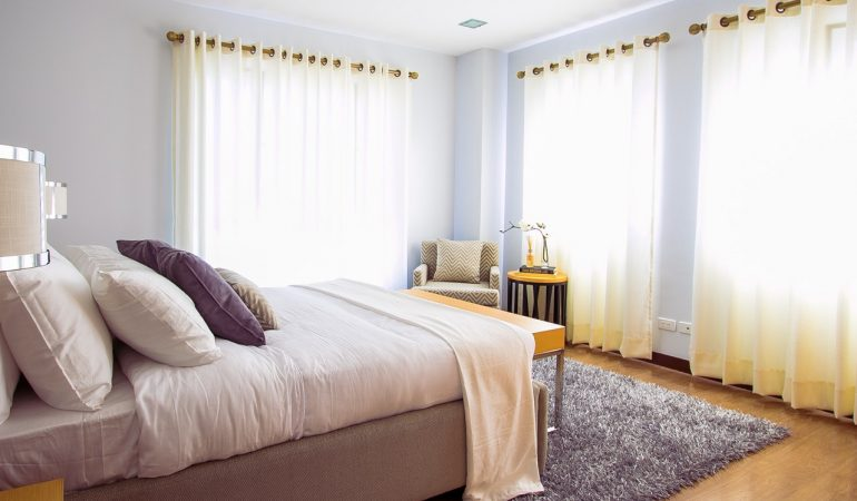Window Blinds vs Window Curtains for Home Decor
